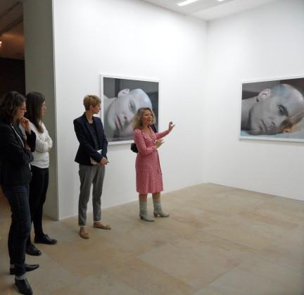 """Diskussion mit der Emmy Noether-Nachwuchsgruppe in der aktuellen Ausstellung """"Affekte"""""""