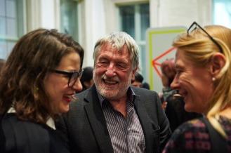 Amely Deiss (Kunstpalais) mit Dieter Rossmeissl (Kulturreferent) und Anke Steinert-Neuwirth (Kulturamtsleiterin), Foto: Markus Faber