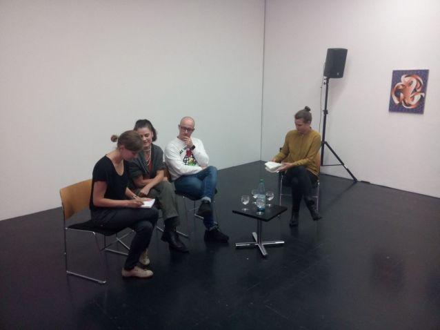 (v.l.n.r.) Zuzana Schwarzová (Dolmetscherin), Hana Polanská Turečková, Vladimír Houdek, Milena Mercer (Foto: Kunstpalais)