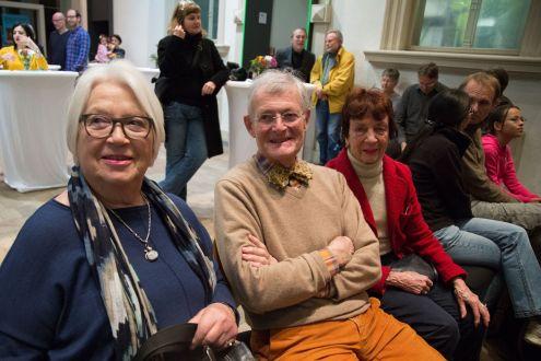 Gunhild Schweizer, 1. Vorsitzende des Kunstverein Erlangen e. V. (links), Foto: Claudia Holzinger