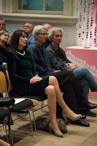 Stadträtin Rosemarie Egelseer-Thurek (CSU), 2.v.l., Anne Reimann, Leiterin des Kulturamts, 3.v.l., Stadträtin Birgit Hartwig (SPD), 4.v.l.,, Foto: Claudia Holzinger