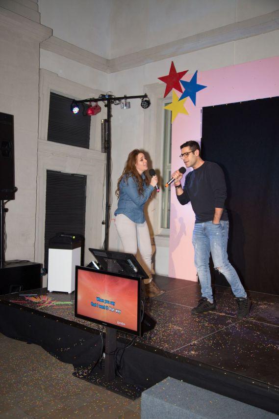 Gohar Kutsanyan und Emanuel Bagheri vom Erlanger Flüchtlingsforum, Foto: Claudia Holzinger