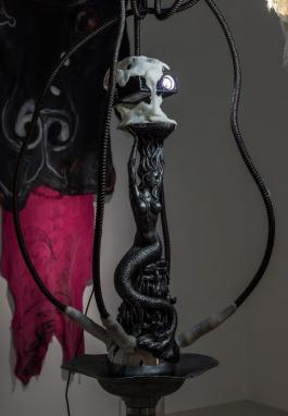 """""""She Shah"""", 2016, Installationsansicht Westfälischer Kunstverein, courtesy the artist und BQ, Berlin. Foto: Thorsten Arendt, Münster."""
