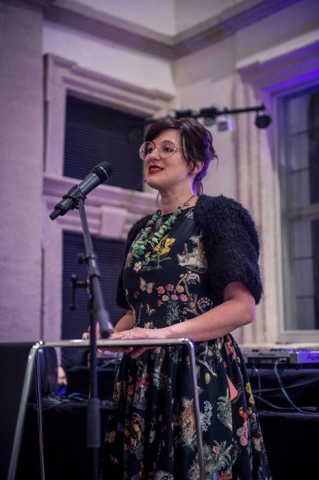 Amely Deiss, Leiterin des Kunstpalais, Foto: Kilian Reil, Ausstellungseröffnung 2018, Altered States, Amely Deiss, Leiterin des Kunstpalais