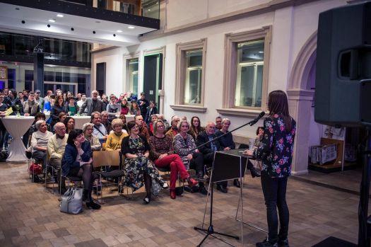 Foto: Kilian Reil, Ausstellungseröffnung 2018, Altered States, Milena Mercer, Kommissarische Leiterin und Kuratorin der Ausstellung