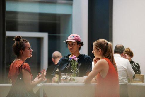 Louisa Rasp, Praktikantin, Artyschock. Der junge Freundeskreis, Kunstpalais; Foto: Markus Faber