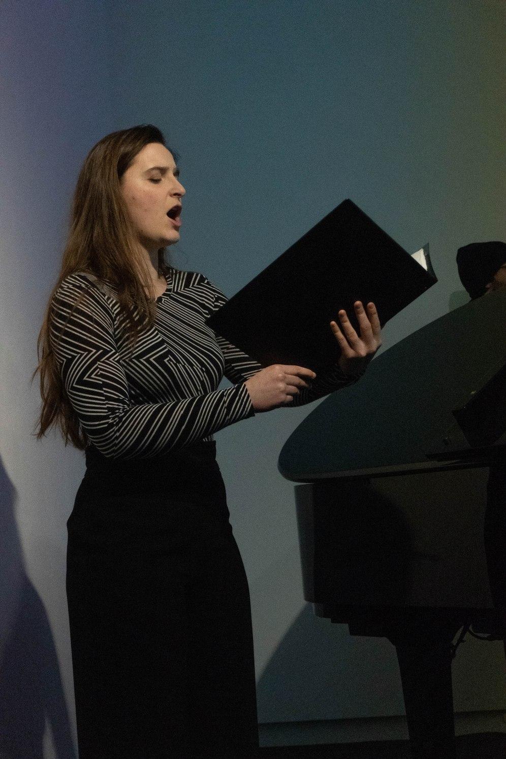 Lou Denès (Sopran), Foto: Kimberly Banschbach