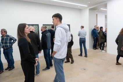 Milena Mercer, Kuratorin der Ausstellung und kommissarische Leiterin des Kunstpalais und Paul Kolling, Künstler, Foto: Kimberly Banschbach